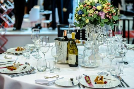 Choosing the Right Tables For Your Restaurant
