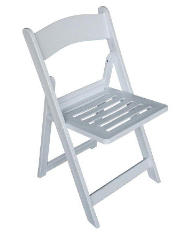 slatted_resin_folding_chair_sm